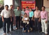 """槟吉市和利坊祖国阵线委员会展开的""""关注贫困者""""模式发挥相亲相爱的精神"""