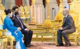 PM tightens amity with Cambodian royal family