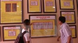 """""""黄沙和长沙归属越南:历史证据和法律依据""""地图资料图片展在义安省举行"""
