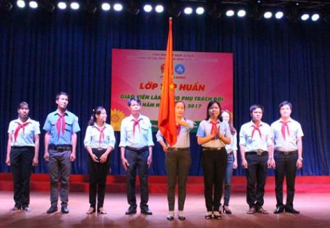 Hơn 230 đại biểu tham gia lớp tập huấn giáo viên làm tổng phụ trách Đội