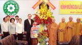 阮善仁同志探访越南佛教协会二号办事处