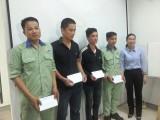Thăm, tặng quà công nhân bị tai nạn lao động