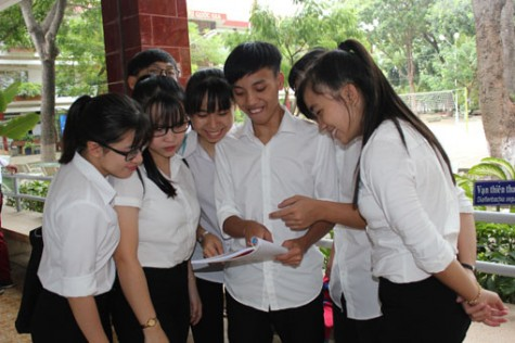 全省10143名学生进入国家高中考试第一天