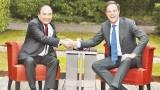 越南政府总理阮春福同荷兰首相马克•吕特举行会谈