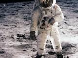 Công ty tư nhân đầu tiên quyết định đưa xe tự hành lên Mặt trăng
