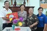 Thành đoàn Thủ Dầu Một: Phối hợp thăm và tặng quà cho hội viên Hội Cựu TNXP