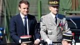 Pháp: Cuộc đọ sức giữa tổng thống và quân đội