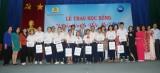 """Công ty P&G Việt Nam trao học bổng """"Chắp cánh ước mơ"""" năm học 2017-2018"""