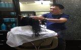 Bắt đầu từ nghề hớt tóc