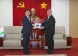 Lãnh đạo tỉnh tiếp đoàn lãnh đạo Bệnh viện đại học Quốc gia ChungBuk