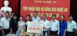 Trao tặng 500 triệu đồng cho người dân vùng bão lũ Nghệ An