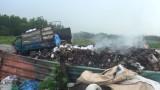 Bắt quả tang hàng chục tấn rác thải công nghiệp đổ trái phép