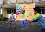 Đoàn thanh niên Sở Y tế: Sôi nổi giải bóng chuyền... ghế nhựa
