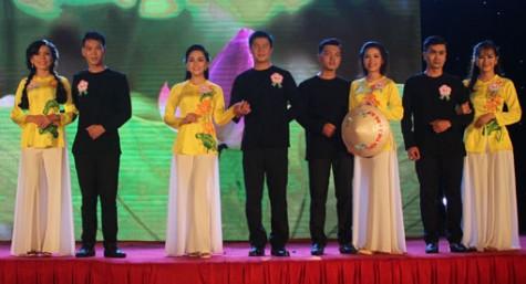 Sôi nổi các hoạt động tôn vinh phụ nữ Việt Nam