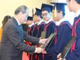 越德大学举行开学典礼暨毕业证书颁发仪式
