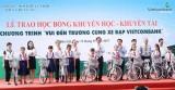 Vietcombank Bắc Bình Dương trao 100 xe đạp cho học sinh