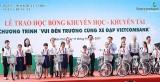 Vietcombank Bắc Bình Dương trao 100 xe đạp cho học sinh nghèo vượt khó, học tốt