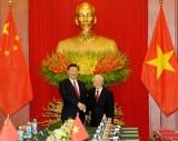 越南与中国签署和互换19项合作文件