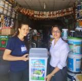 Tặng thùng rác bảo vệ môi trường:  Việc làm nhỏ, ý nghĩa lớn