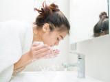 Rửa mặt theo phong cách 4-2-4 của người Hàn để có làn da trẻ mãi
