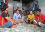 Thanh niên công nhân nhà trọ: Làm gì những ngày cuối tuần?