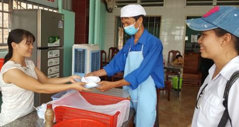"""""""Tuyến phố văn minh - an toàn thực phẩm"""":  Nâng cao ý thức an toàn vệ sinh thực phẩm"""