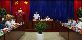 西宁省委工作团访问平阳省,以研究和交换经济社会发展经验