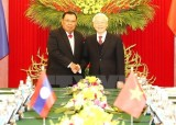 Vietnamese, Lao agree to settle disputes in East Sea via peaceful means