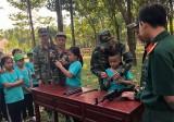 """Phường Bình Hòa (TX.Thuận An): 100 thiếu nhi tham gia chương trình """"Một ngày em làm chiến sĩ"""""""