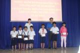 Khám bệnh từ thiện cho đồng bào dân tộc thiểu số và tặng học bổng cho học sinh nghèo hiếu học