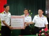 Chiến sĩ đảo Đá Lớn đã nhận được quà Tết Mậu Tuất 2018