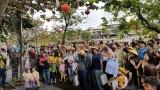Gần 13 triệu lượt khách quốc tế: Cơ hội cho du lịch Việt