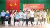 Hội Chữ thập đỏ tỉnh: Thăm, tặng 400 phần quà tết cho các đối tượng khó khăn