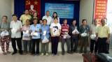 Trung tâm điện máy Trung Thảo:  Tặng quà tết cho người khuyết tật