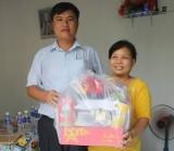 Xã An Sơn (TX.Thuận An): Chăm lo tết cho gia đình chính sách, gia đình khó khăn