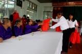 Ủy ban MTTQ Việt Nam tỉnh: Trao hơn 1.600 phần quà cho các đối tượng bảo trợ xã hội