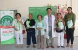 Bệnh viện Hoàn Mỹ Vạn Phúc: Khám bệnh, tặng quà cho người cao tuổi