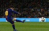 Messi lập hat-trick, Barca san bằng kỷ lục bất bại tại La Liga