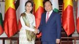 越南政府总理阮春福与缅甸国家顾问兼外交部长昂山素季举行会谈