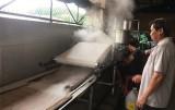 Gian nan giữ nghề bánh tráng