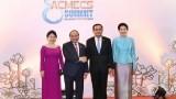 越南政府总理阮春福与泰国总理举行双边会晤
