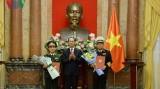 越南国家主席陈大光决定对越南人民军两名高级军官晋升军衔