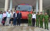 Bàu Bàng: Doanh nghiệp tặng xe chữa cháy