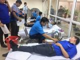Hơn 200 cán bộ, công chức, đoàn viên thanh niên hiến máu nhân đạo