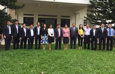 平阳省领导参与世界市长论坛