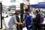 Giá xăng tiếp tục được giữ nguyên, giá dầu có mức giảm nhẹ
