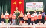 """TX.Thuận An: Hơn 300 học sinh tham gia chương trình """"Một ngày em làm chiến sĩ"""""""