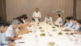 国会科技—环境委员会与平阳省举行工作会议