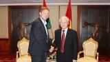 越共中央总书记阮富仲会见匈牙利社会党主席多特•贝尔道兰