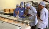 Kiểm tra an toàn thực phẩm sản xuất bánh trung thu: Các cơ sở đều chấp hành tốt quy định